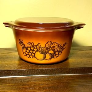 """Vintage Pyrex """"Old Orchard"""" casserole with lid"""
